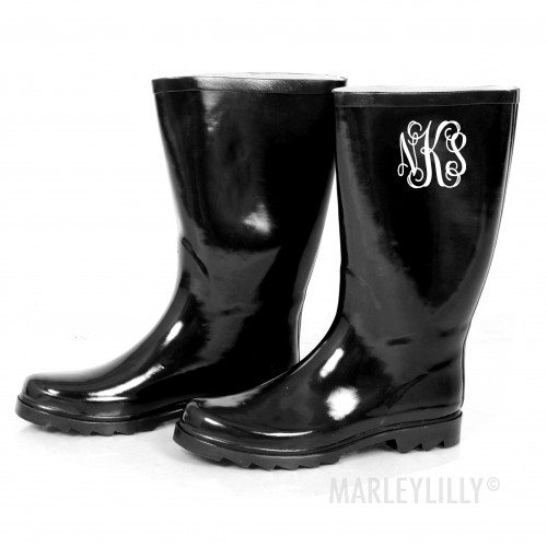 18333 10 Items that Look Better with Monograms!