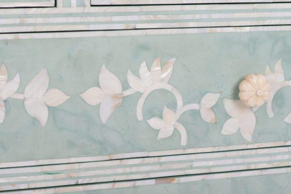 416-45-15318_03-595x397 8 Floral Home Decor Pieces We Adore
