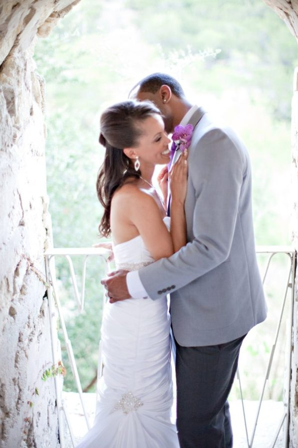 71VillaAntoniaWeddingBrittanyandKeithbyIvyWeddings-595x893 Romantic Texas Villa Nuptials