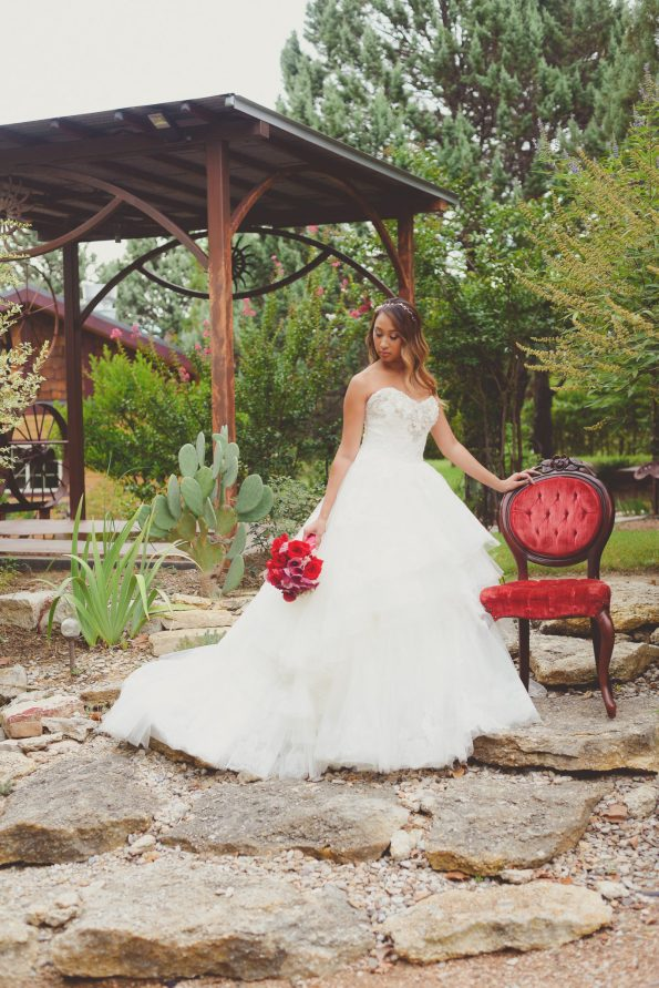 styled-85-595x891 Tips for Styling a Rustic Wedding