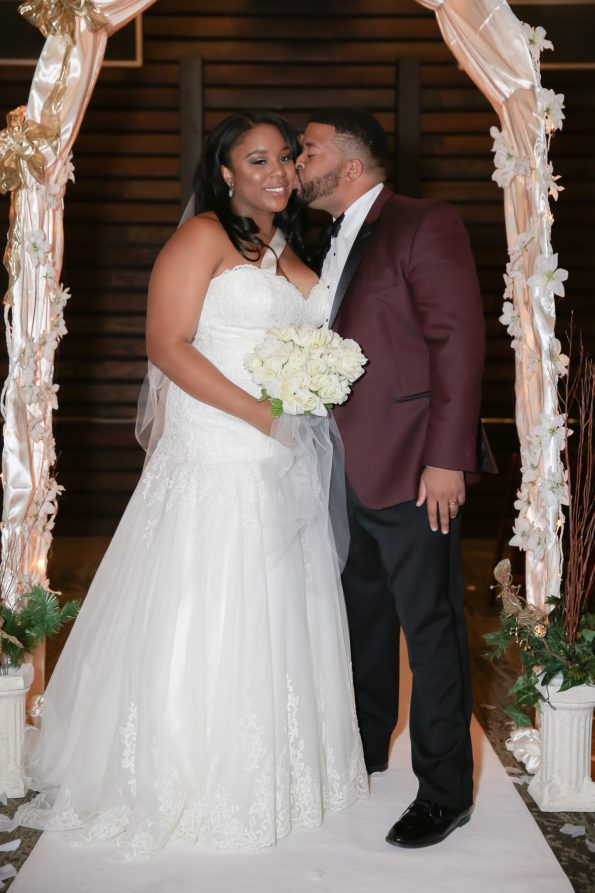 Roberson-211-bride-and-groom-595x893 Spelhouse Love Reigns in Music City