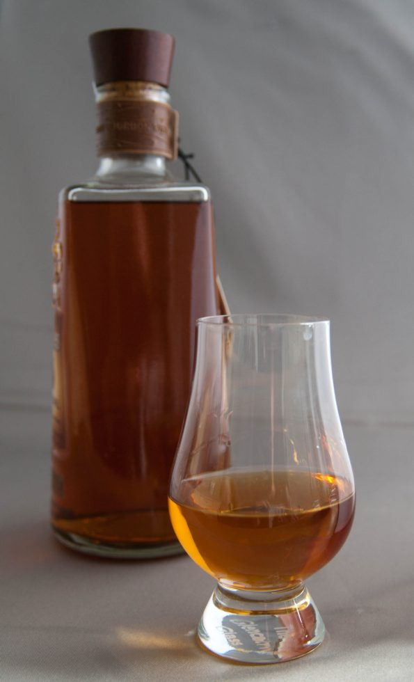 Bourbon_Whiskey_glass_and_bottle_08.09.2015_13-20-57-595x980 10 Tips to Plan a Kentucky Styled Southern Wedding