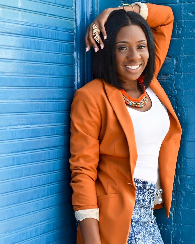 Black Southern Belle Brings Summer Bags to Houston, TX