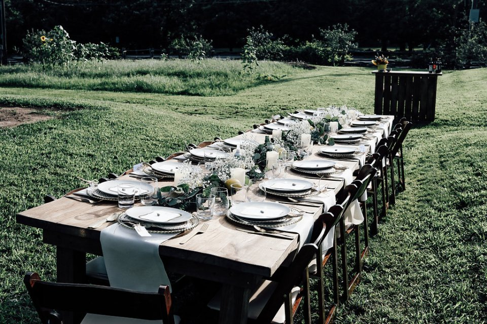TheTableExperienceOldSalem-6133-960x640 6 Tips on How to Host a Dinner Party Like a Chef