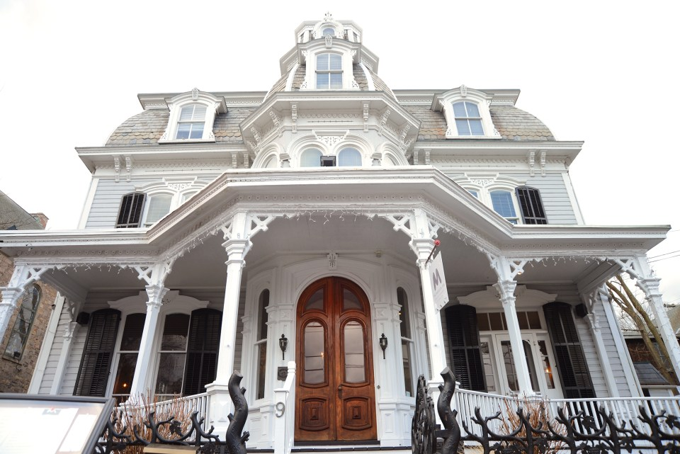 Front-of-Mansion-Inn--960x641 Cozy Fall Bachelorette Party Destinations - Bucks County, PA