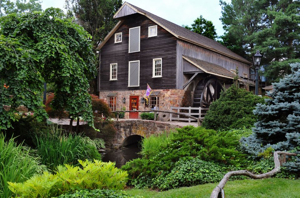 Waterwheel-at-Peddlers-Village--960x634 Cozy Fall Bachelorette Party Destinations - Bucks County, PA