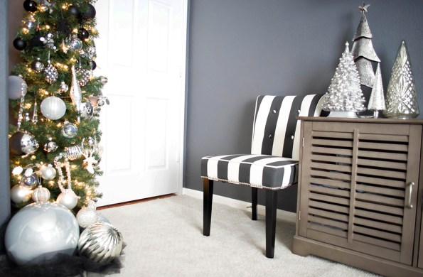 3-Stash-of-Panache-Holiday-Decor-595x390 How Houston-Based Interior Designer Alana Frailey Decorates Her Home For The Holidays