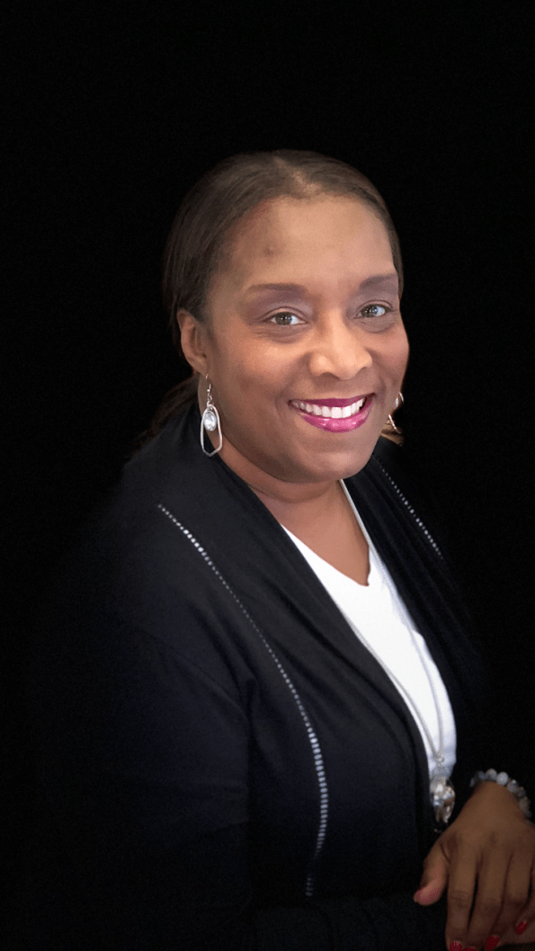 Cynthia-Smith--595x1058 Finding your Voice: 32 Southern Bred, African American Women in Journalism