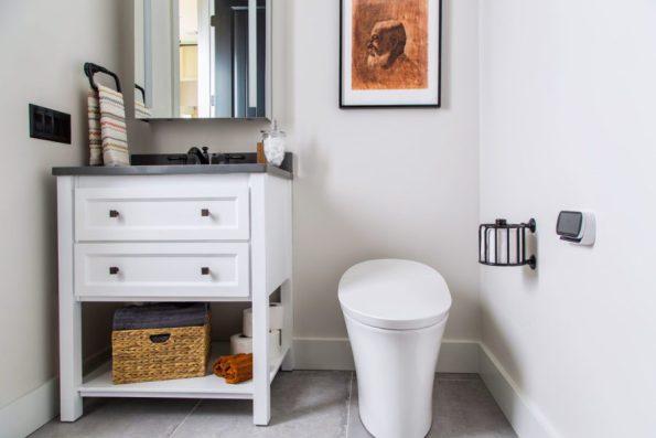 HGTV-Smart-Home-2018-Guest-Bathroom-595x397 HGTV Smart Home Tour - Palmetto Bluff