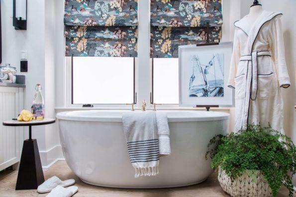 HGTV-Smart-Home-2018-Master-Bathroom-Bathtub 20 Images of Coretta Scott King We Adore