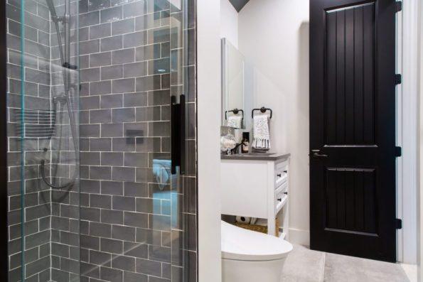 HGTV-Smart-Home-2018-Teen-Bathroom-Toward-Door-595x397 HGTV Smart Home Tour - Palmetto Bluff