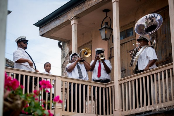 MyaKeithSneakPeeks-0060-1-595x396 Classic New Orleans Nuptials - NOLA Wedding Inspiration