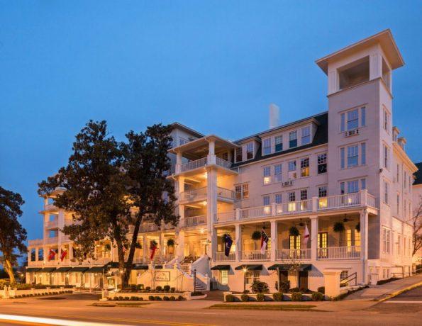 The-Partridge-Inn-High-Res-595x460 Augusta, GA Travel Guide: Drive To Not Through