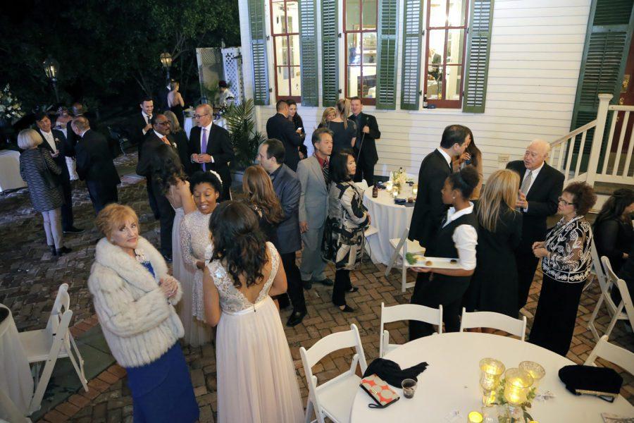 rdzacvkfezy4sj5ckm33_big NOLA Wedding with Broadway Style