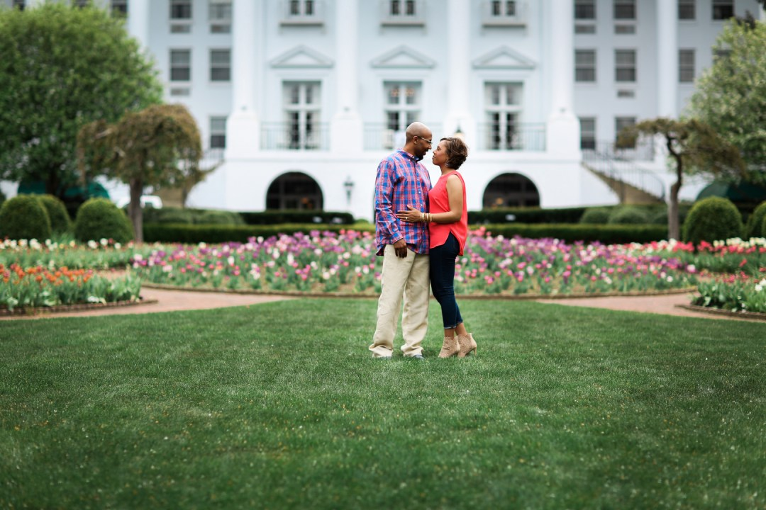skq64eayjz8cxc92sb37_big West Virginia Engagement Session at the Greenbriar Resort