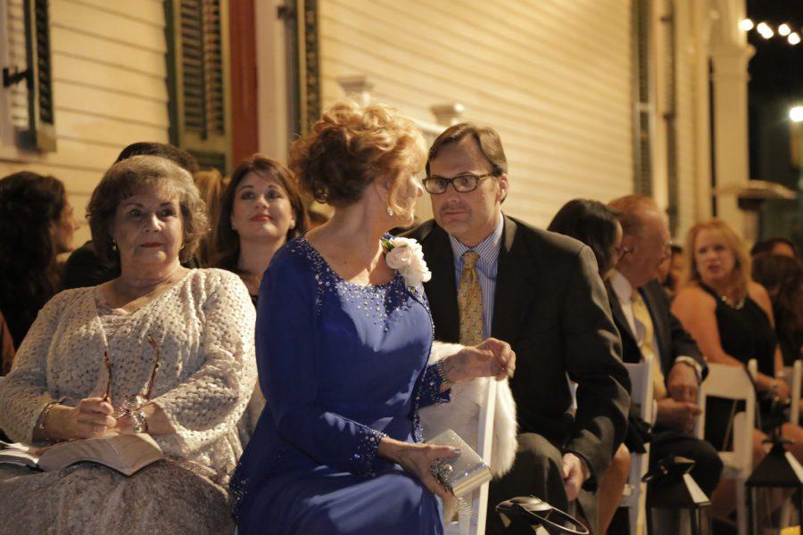 y6tth8yftmfwg1wdvg31_big NOLA Wedding with Broadway Style
