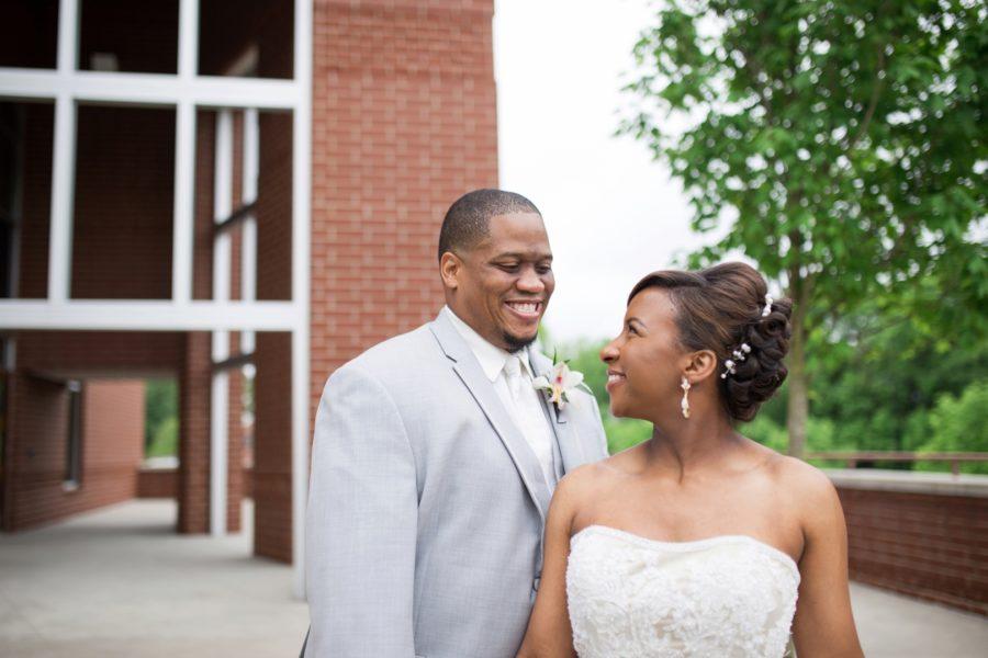 y90qpxmx5z48mdnotj84_big Modern, Southern Wedding Style in Durham, NC