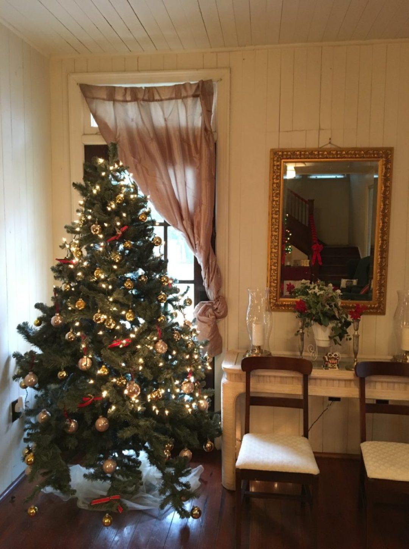 47293044_2640055196004956_6311423899959558144_o-1440x1930 Penn Center Holiday Decor - Gullah Traditions