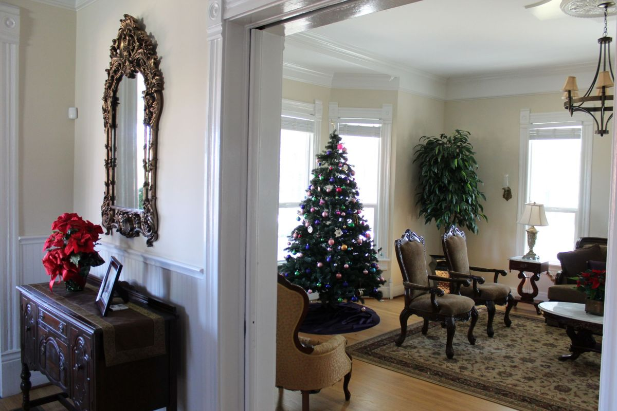HBCU Holiday House: Wiley College Christmas Decor Tour