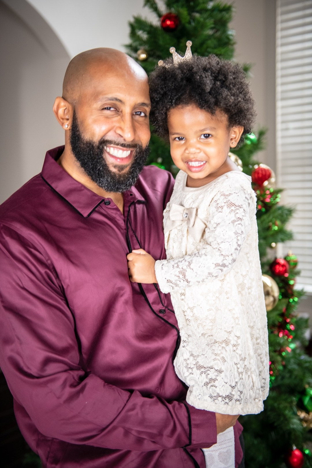 image3-2 Daddy's Girl: Father Daughter Holiday Photos We Love