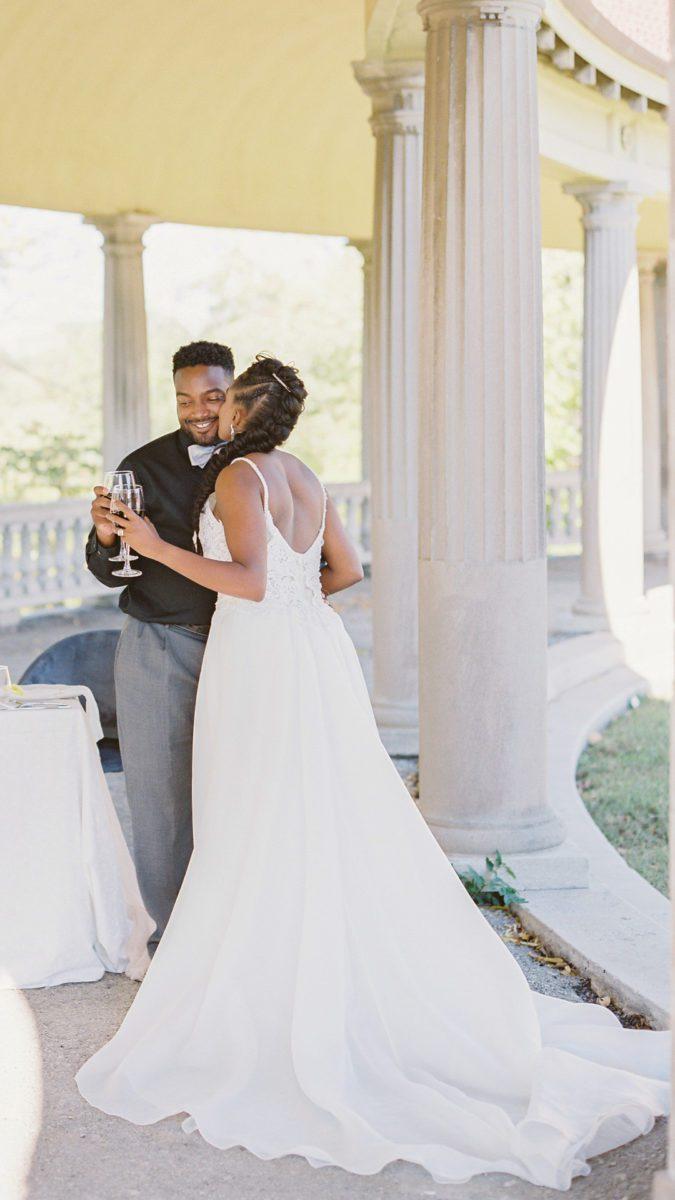 268hummxvw5ugtzri674_big Kansas City, Missouri Outdoor Wedding Inspiration