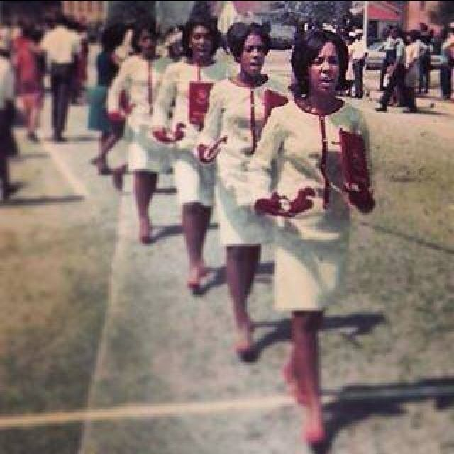 7f0668688024fe167eb73bfd6fb7b573 Vintage Images of Delta Sigma Theta We Adore