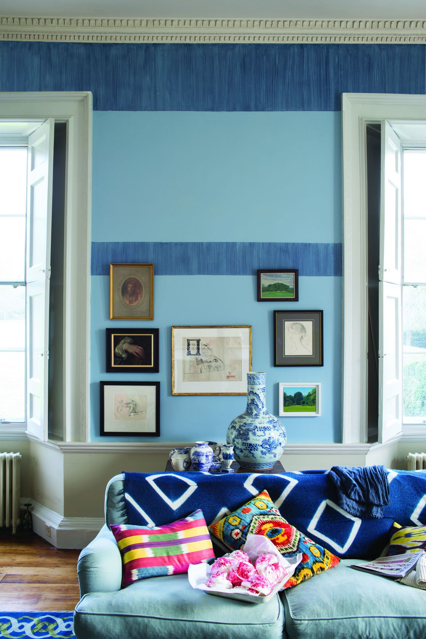 FarrowBall_1182390_PitchBlueandLulworthBlueLivingR.jpg-1440x2158 Paint Inspiration: 20 Colorful Rooms We Love