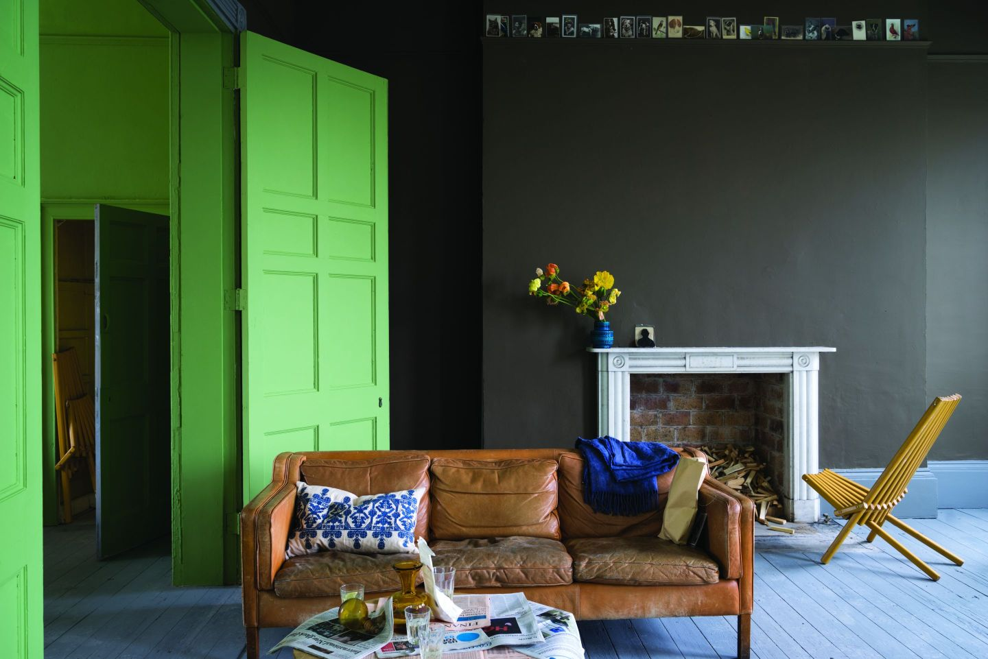 FarrowBall_1360430_SalonDrabNo290YeabridgeGreenNo2.jpg-1440x961 Paint Inspiration: 20 Colorful Rooms We Love