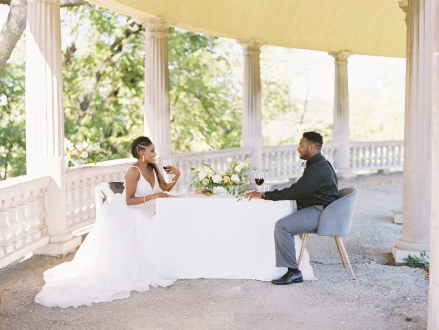 rfczg0cty7qs68wqt542_big Kansas City, Missouri Outdoor Wedding Inspiration