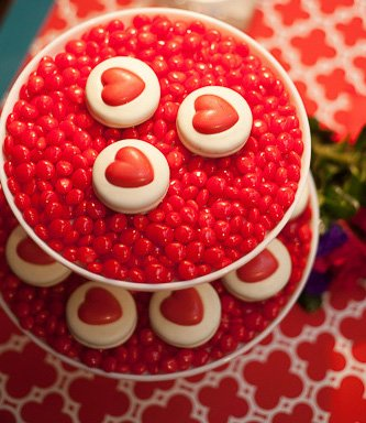JPLJ8166 Southern Entertaining: Tips for Hosting Valentine's Day at Home from the Experts