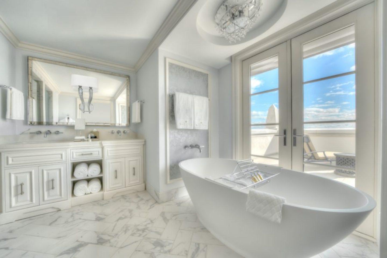 Suite-Bathroom_Credit-Modus-Photography-1440x962 Design Tour: Hotel Bennett Debuts in Charleston, SC