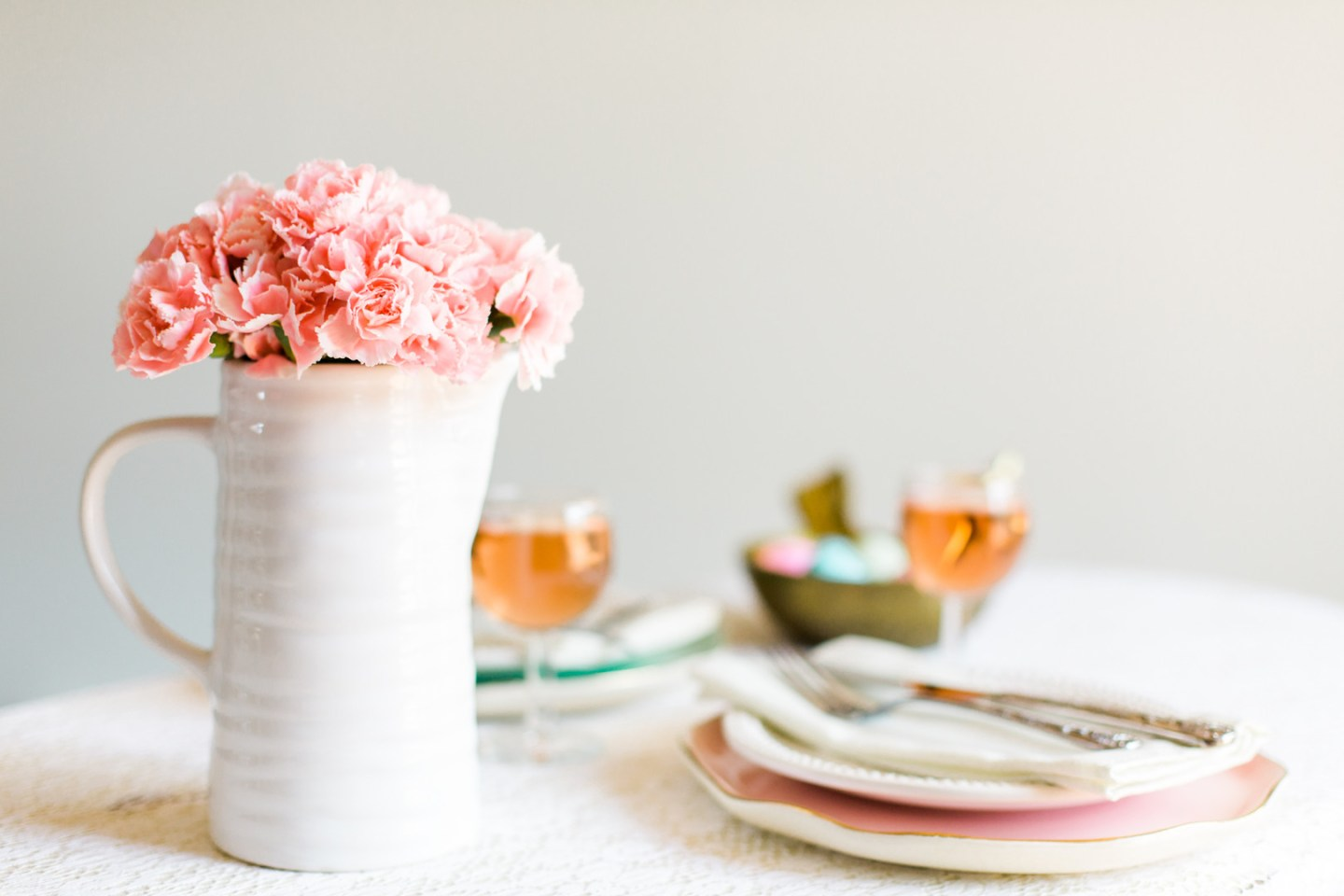 Staal_KristinaStaalPhotography_KristinaStaalPhotographyEasterTablescape20167_big Easy Entertaining: Easter Brunch Inspiration for Two