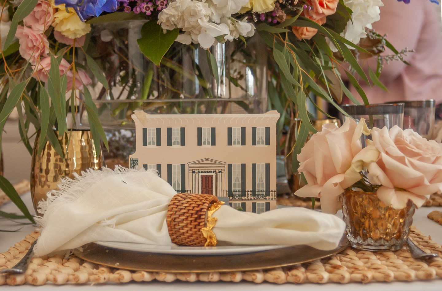 Southern-Settings-2019_3 Lowcountry Tablescape Inspiration from Southern Settings