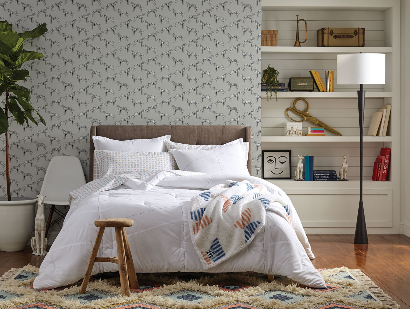 Tempaper_The-Novogratz_Major_French-Grey_Online_3 How to Add Wallpaper to Your Room with Inspiration from Novogratz