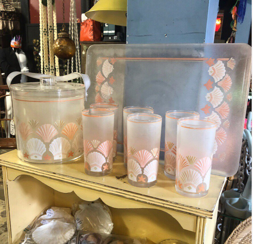 BackFlash-Wares Mobile's BackFlash Antiques Mall Sells Love and Whimsy
