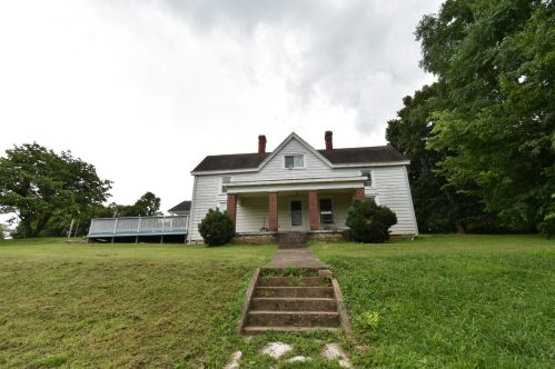 historic farm house located in Danville, Ky