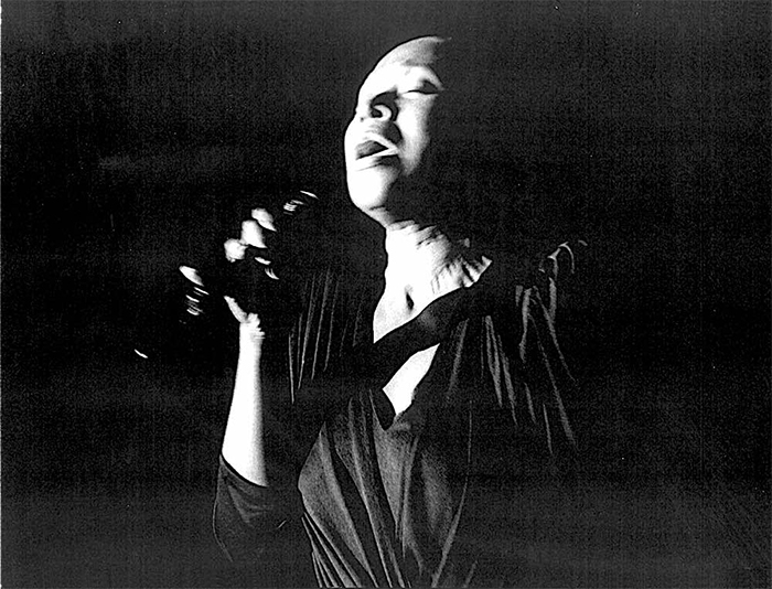 Black to the Music - Liz McComb 03