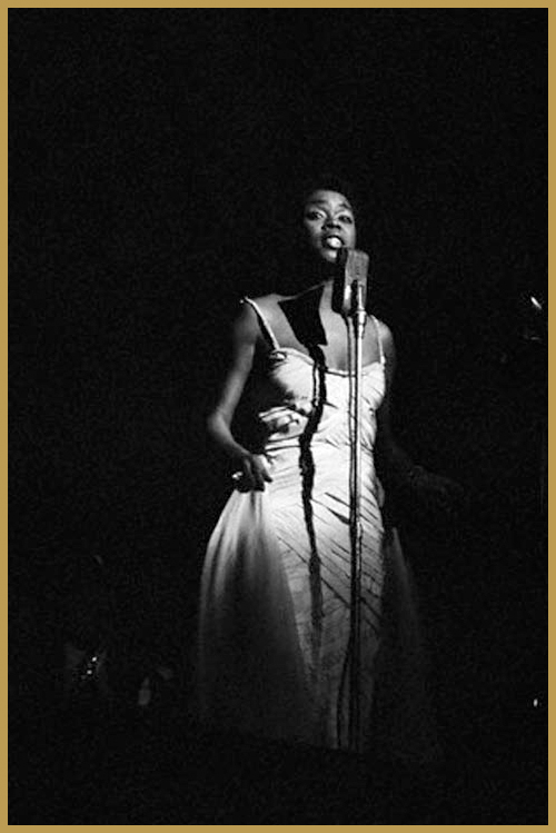 Black to the Music - 1956 Sarah Vaughan at the Civic Opera, Chicago (photo Ted Williams)