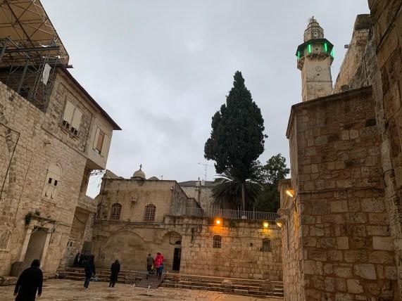 Blick aus der Grabeskirche raus. Die Jerusalemer Altstadt war fast menschenleer.