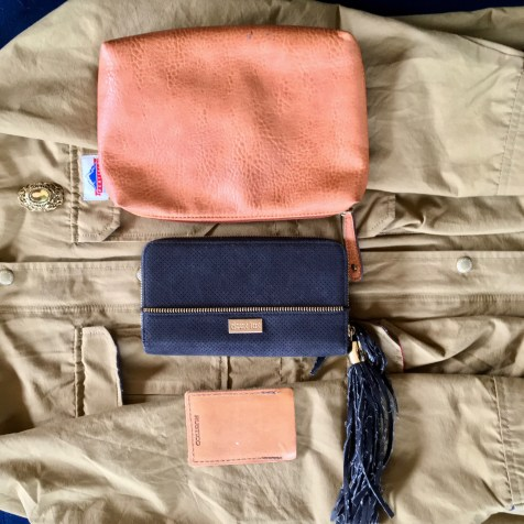 Wallets and main pouch that fits all the bags.