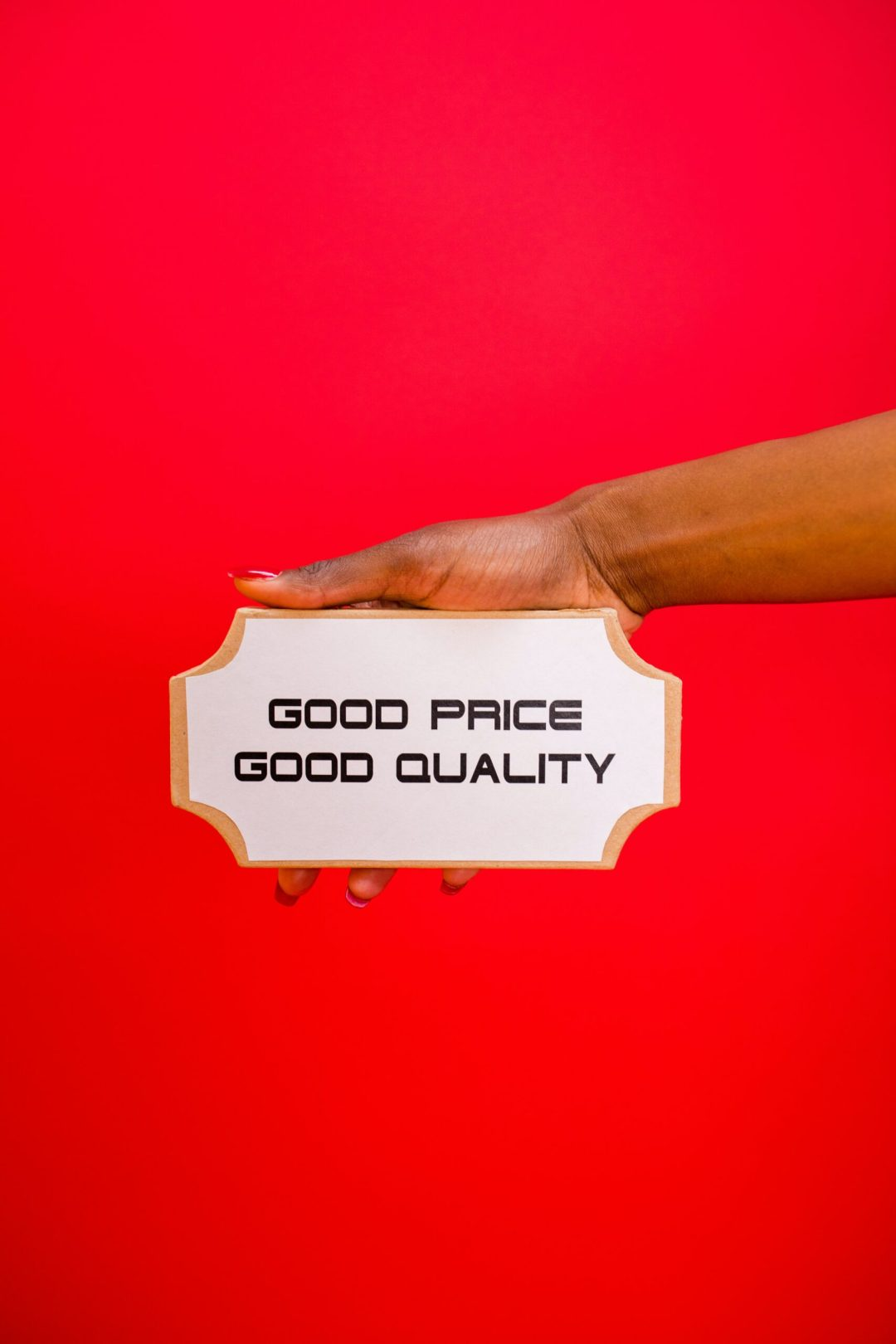 Tiered pricing using the decoy effect in marketing