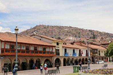 Restaurants säumen den Plaza de Armas