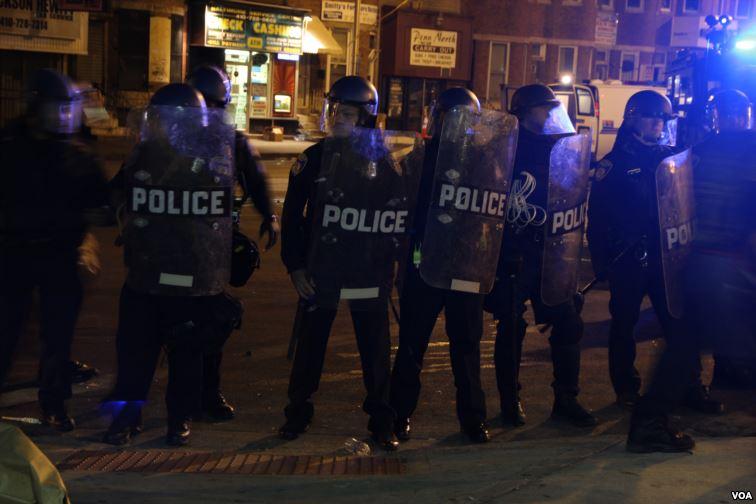 Body camera footage shows Baltimore Officer Richard Pinheiro planting drugs