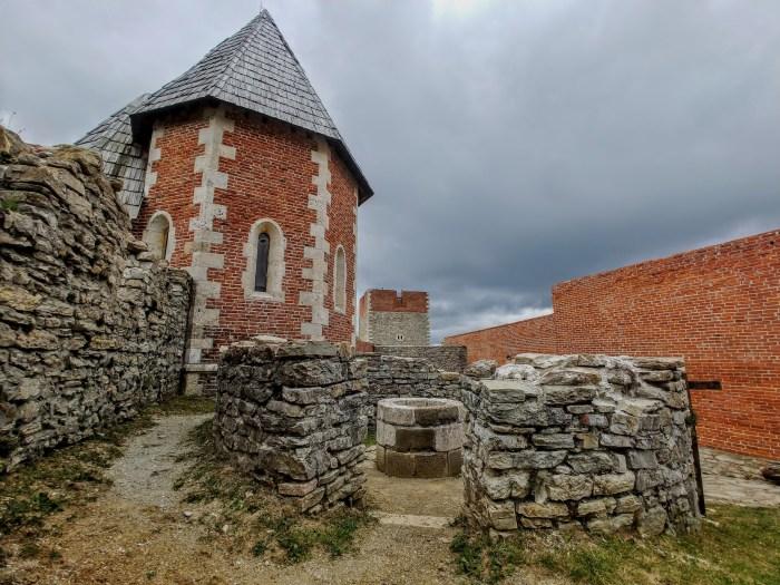 Vjekovima, Medvedgrad stoji iznad Zagreba, a njegovi brojni vlasnici oduvijek su rado pratili događaje u dolini