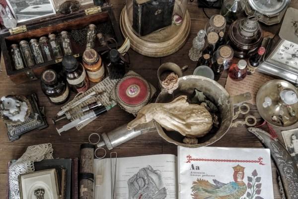 Tajne alkemije: progonjeni i zabranjivani, tražili su Kamen mudraca, djelovali u sjeni i usput otkrili što nisu očekivali