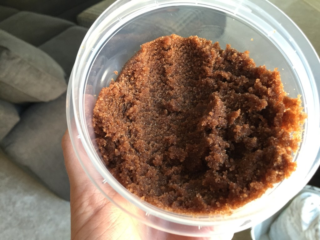 DIY Chocolate Body Sugar Scrub Recipe | Blairblogs.com