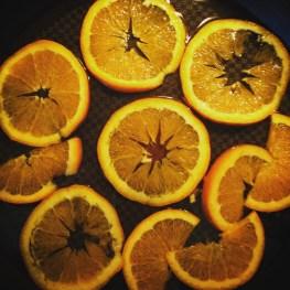 Hér malla appelsínurnar.