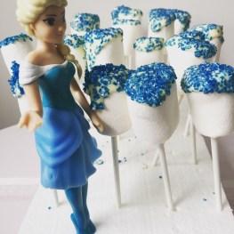 Elsa passar frostbitana.