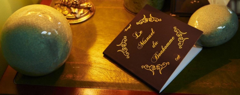 Le manuel du Bonhomme, où comment renouer avec la galanterie !