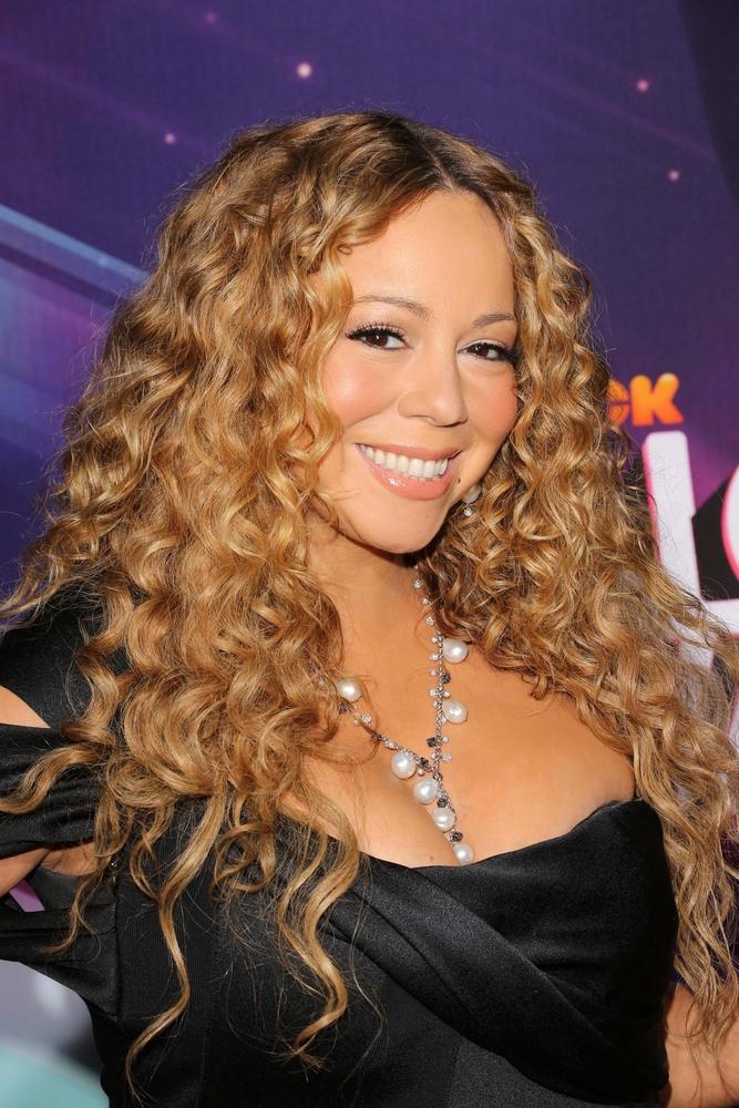 Mariah Carey en concert événement à Paris/ Shutterstock